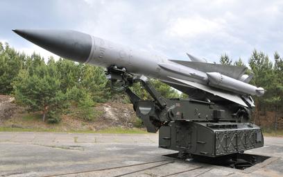 Wyrzutnia przeciwlotniczego zestawu rakietowego S-200C Wega. Fot./Andrzej Kiński.