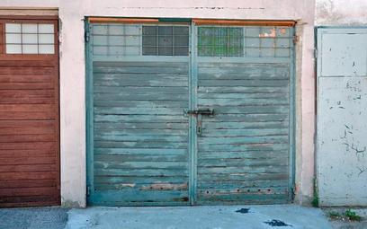 Koszty użytkowania garażu mogą być astronomiczne, jeśli znajduje się on na dużym terenie z dobrym ad