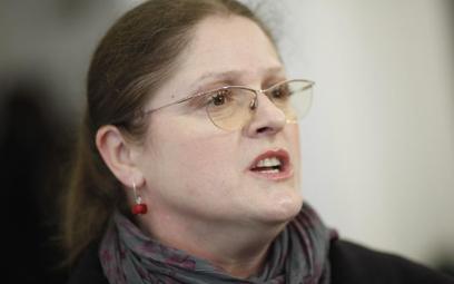 Krystyna Pawłowicz na Facebooku: Jak sędziowie spojrzą w lustro? Może przestaną sądzić