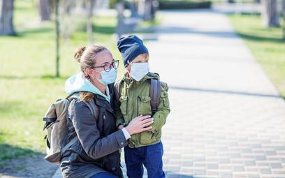 Koronawirus: zamknięte żłobki i przedszkola - jak dostać dodatkowy zasiłek opiekuńczy?