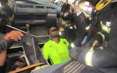 Melilla: Imigranci ukryci pod podłogą samochodu