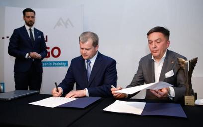 Z lewej Mariusz Szpikowski (PPL), z prawej Piotr Henicz (Itaka)