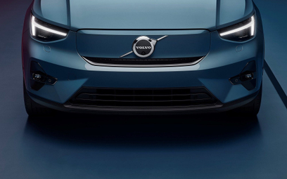 Volvo idzie na zwarcie z Teslą
