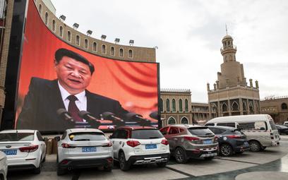 """Facebook obraził wulgarnie prezydenta Chin? """"Błąd tłumacza"""""""