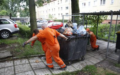 Opłaty za wywóz śmieci coraz dotkliwsze. Nawet 1680 zł na rok