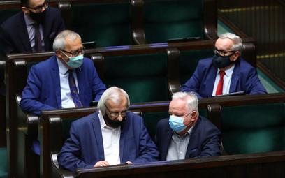 Sondaż: PiS nie miałby większości w nowym Sejmie