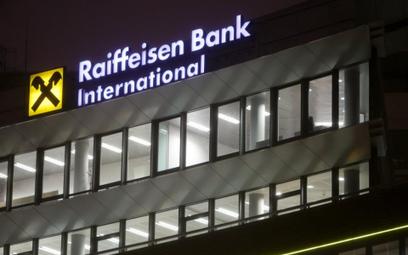 Raiffeisen zdeterminowany sprzedać Polbank