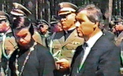 Edward Kotowski ps. Pietro (w garniturze) w lipcu 1988 roku zorganizował pielgrzymkę polskich kapela