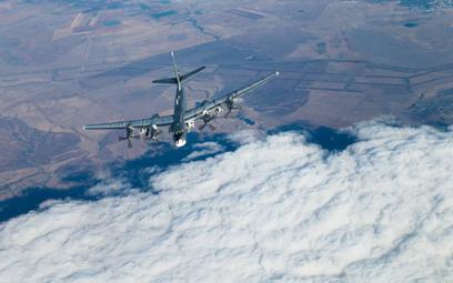 Rosyjskie bombowce Tu-95MS testowały rakiety manewrujące