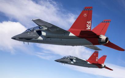 Para przedseryjnych T-7A Red Hawk w locie. Fot./Boeing.