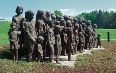 Lidice (Czechy), pomnik ustawiony w miejscu spacyfikowanej i zrównanej z ziemią wsi