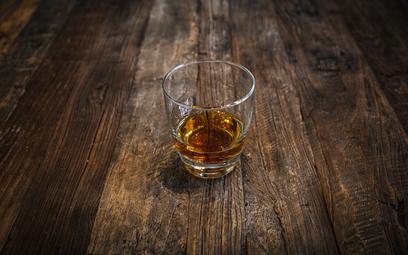 Gigant rynku piwa rusza z produkcją whiskey. Będzie drogo