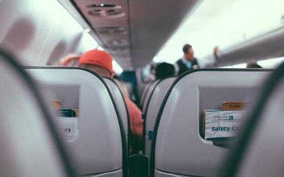 USA – fotele w samolotach pod lupą sądu