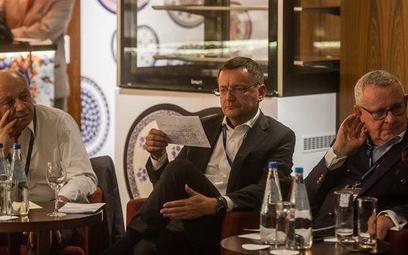 """Uczestnicy debaty """"Jaki kapitalizm dla Polski?"""". Od lewej: Henryk Orfinger, Janusz Jankowiak, Andrze"""