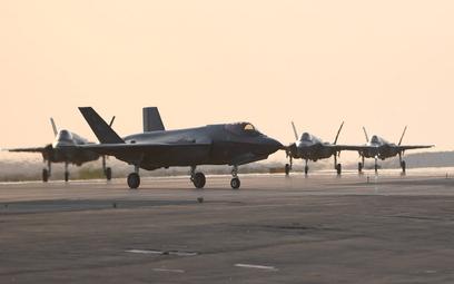F-35A 421. Dywizjonu Myśliwskiego po wylądowaniu w bazie Al Dafra w ZEA. Fot./USAF/Maj. Rodney Ellis