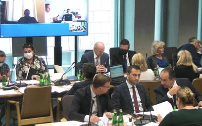 Sejm – zwolnienie z ZUS dla touroperatorów oddala się