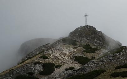 Nie wypożyczą krzyża z Giewontu. Pomysł fundacji katolickiej