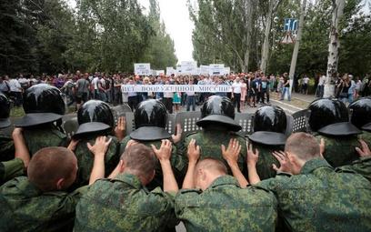Tysiące rosyjskich żołnierzy odznaczonych za udział w wojnie w Donbasie