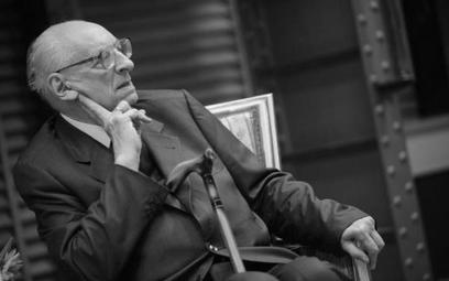 Pełnomocnik Prezesa Rady Ministrów ds. dialogu międzynarodowego Władysław Bartoszewski podczas spotk