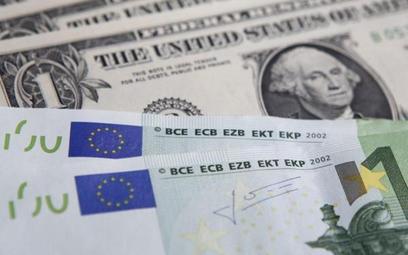 Konkurencja na rynku wymiany walut nabiera na sile. mBank udostępnia aplikację mobilną dla małych fi