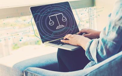 Jak działa sąd w internecie? Jest szybszy i tańszy, i już działa