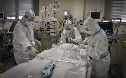 Lekarze wyjadą z kraju dla godnej pracy