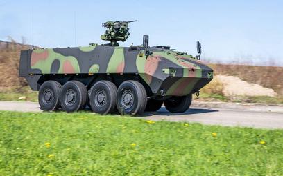 Jeden z hitów szwajcarskiego eksportu uzbrojenia ostatnich lat – kołowy transporter opancerzony Pira