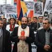 Ksiądz Isakowicz-Zaleski (w środku) zabiega też o pamięć o ludobójstwie Ormian