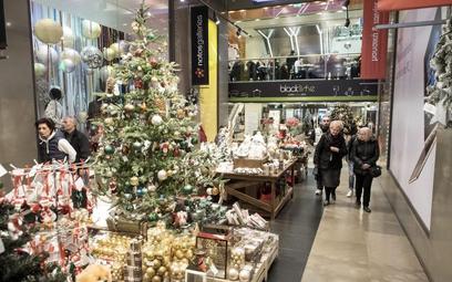 Polacy uważają, że bardziej przyda im się wolna Wigilia niż Wielki Piątek czy Zielone Świątki.