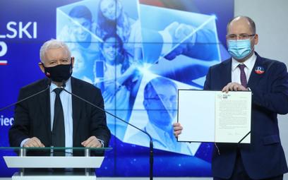 Prezes PiS Jarosław Kaczyński oraz europoseł Adam Bielan