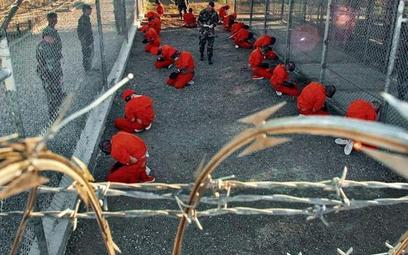 Więźniowie w Guantanamo