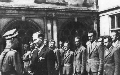 20 sierpnia 1942 roku gen. Sikorski w ośrodku cichociemnych w Audley End