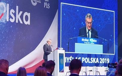 Gliński na starcie konwencji PiS: Nie boimy się nowych wyzwań