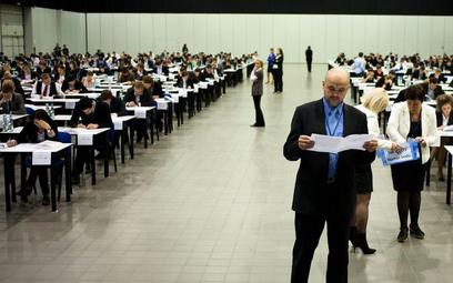 Adwokaci i radcy prawni: ponad 5 tys. prawników zdało egzamin zawodowy