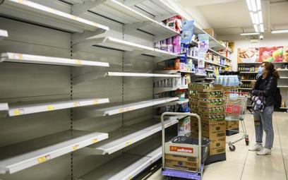 Panika w Hongkongu. Ludzie wykupili papier toaletowy