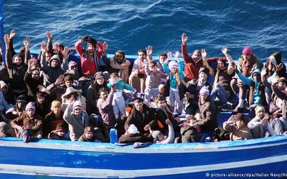 Uchodźcy są zdeterminowani i ryzykują życiem usiłując pokonać Morze Śródziemne