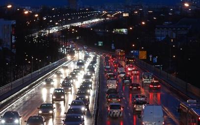 Na Trasie Łazienkowskiej biało-czerwono: ale mało kto jest wzruszony