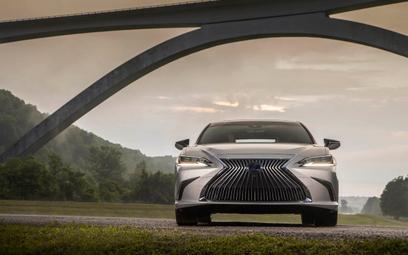 Lexus ES: Hybrydowa przyszłość dla menadżera