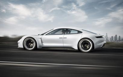 Porsche podało nazwę pierwszego, elektrycznego modelu