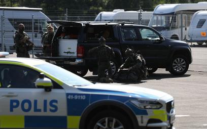 Szwecja: Dwóch strażników więziennych wziętych za zakładników. Porywacze zażądali pizzy