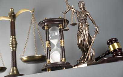Henryk Walczewski: Czas w sądach biegnie inaczej?