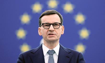 Mateusz Morawiecki (na zdjęciu podczas wtorkowej debaty w Parlamencie Europejskim) musi mieć świadom