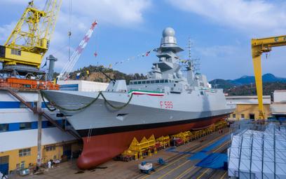 Fregata rakietowa Emilio Bianchi w suchym doku, tuż przed wodowaniem. Fot.,Fincantieri.