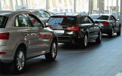 Trzy czwarte aut w parku firm branży CFM objętych jest pełnym serwisem i leasingiem
