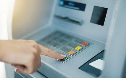 NBP: Mniej bankomatów w Polsce, ale wypłacamy więcej