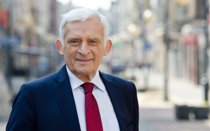 Jerzy Buzek: Na osłabianiu roli samorządu tracą mieszkańcy