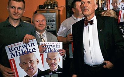 Wieczór wyborczy Janusza Korwin-Mikkego odbył się wczoraj w jego domu w Józefowie