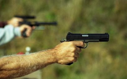 Nowozelandczycy pozbywają się broni. Rząd odkupił 10 tys. sztuk