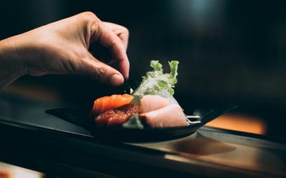 Szefowa kuchni z restauracji Nobu: jedzcie sushi palcami