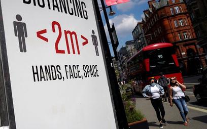 Boris Johnson przedłuża restrykcje. Turystyka apeluje o pomoc